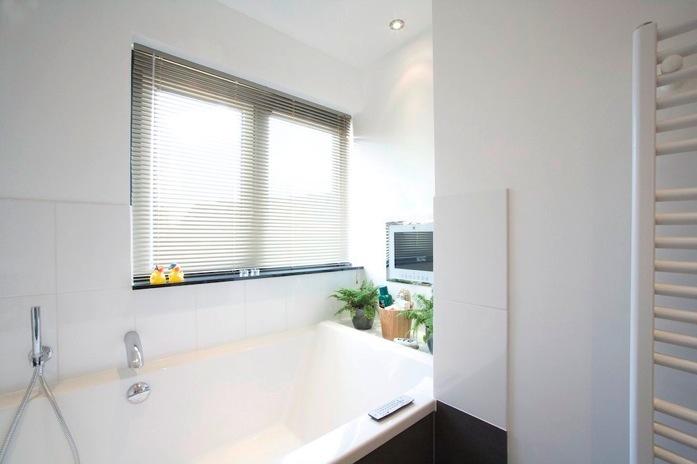 Badkamer hightech verbouw aannemersbedrijf ftbbouw utrecht