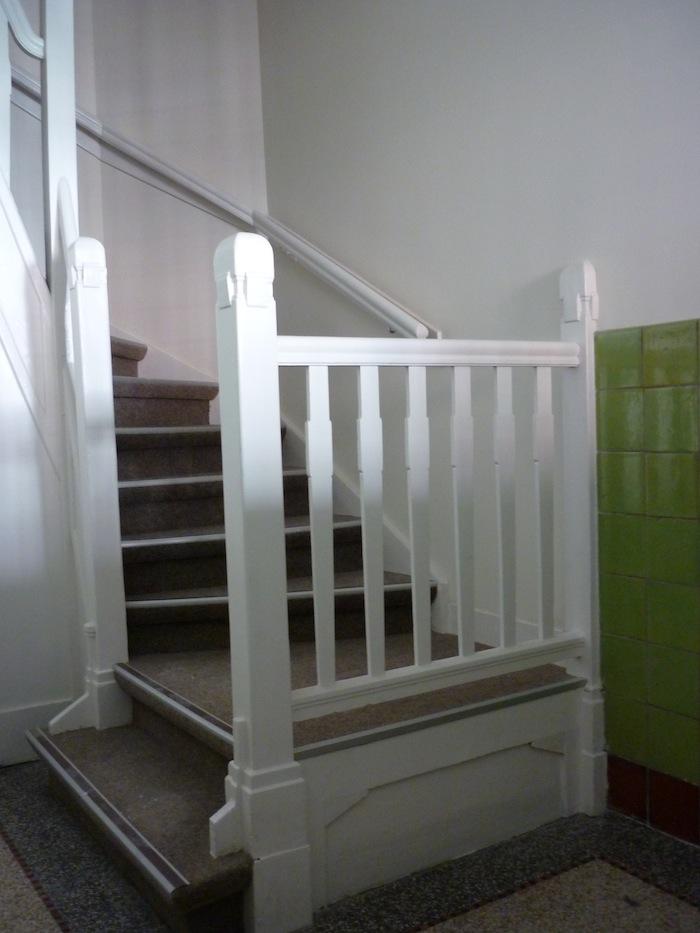 Renovatie trap aannemersbedrijf ftbbouw utrecht for Renovatie houten trap